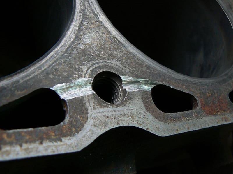 Разделка трещин в металле перед сваркой