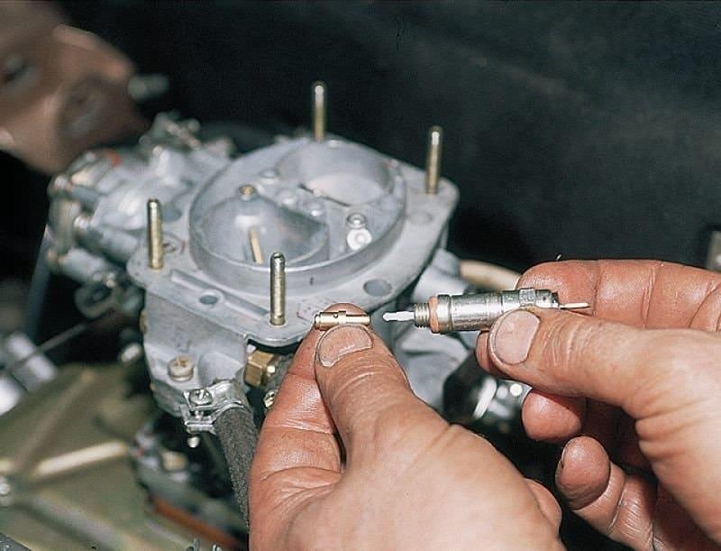 Установка электромагнитного клапана на карбюратор