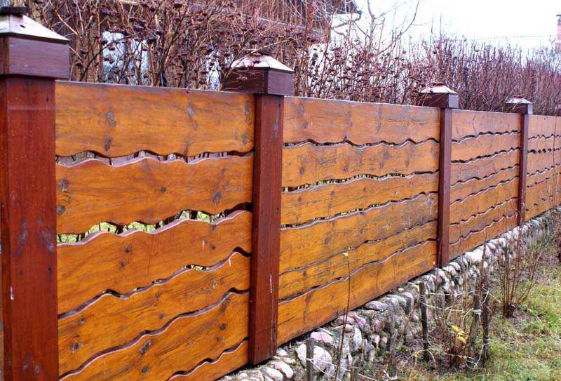 Креативный забор для частного дома