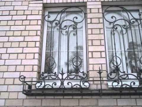 Простейшая кованая решетка на окнах