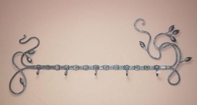 Кованые вешалки (60фото) напольные, настенные, угловые