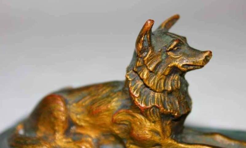 Декоративное изделие из бронзы
