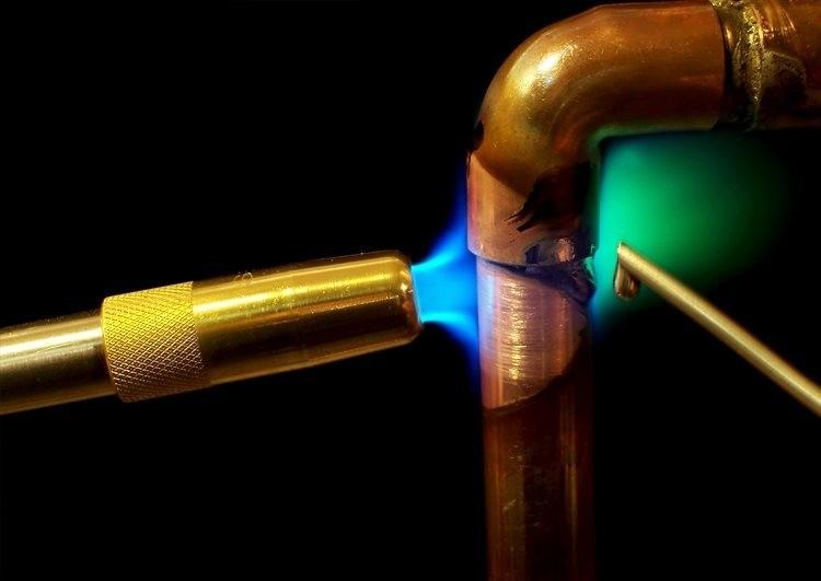 Пайка медной трубы горелкой