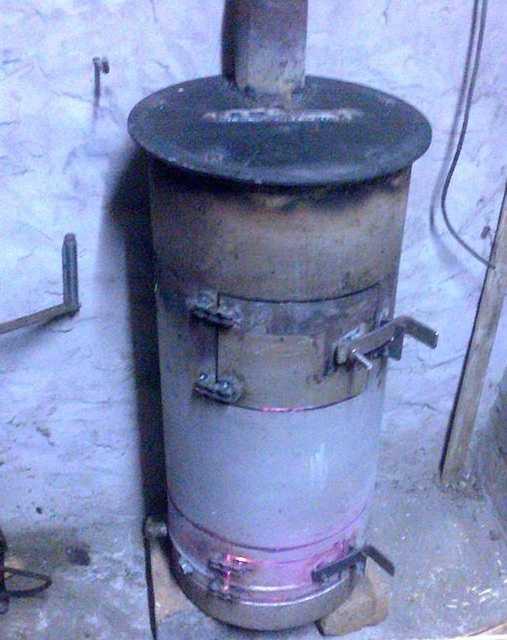 Вертикальная печь из газового баллона