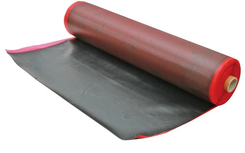 Сырая резина оклеенная полимерной пленкой