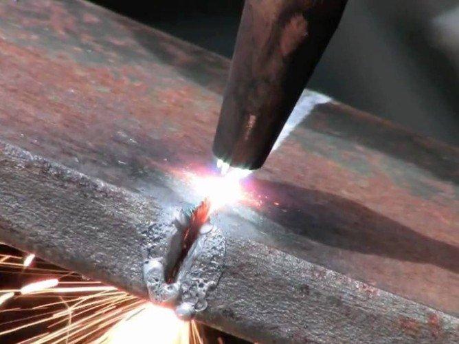Образование наплывово при плазменной резке металла