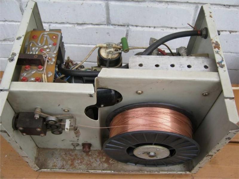 Устройство полуавтомата для сварки проволокой без газа