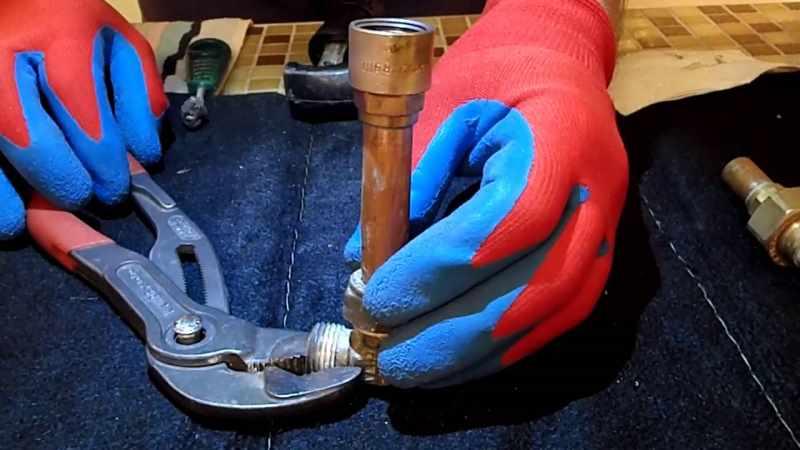 Пайка меди в перчатках