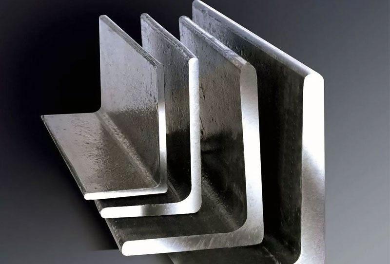 Уголок стальной равнополочный С345