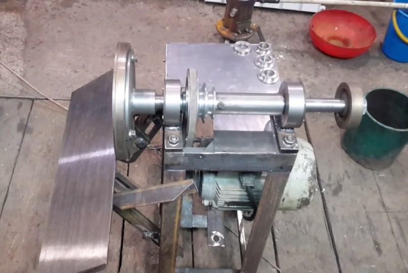 Компактный станок для обработки камня
