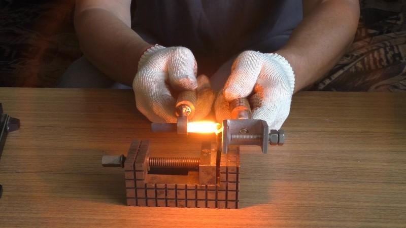 Самодельный сварочный аппарат для сварки угольными электродами