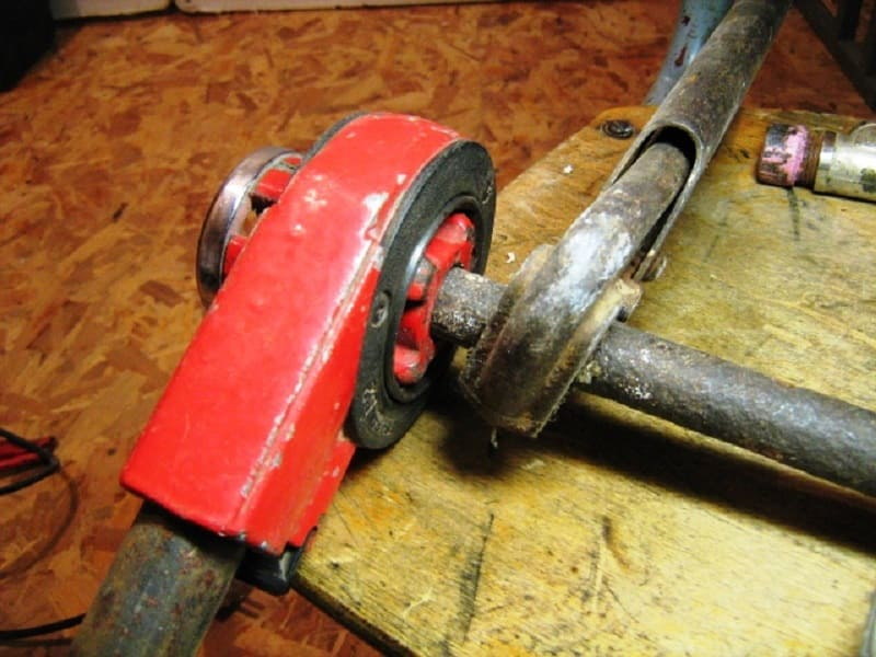 Инструмент для нарезания резьбы метчики, плашки, клупп, гребенка