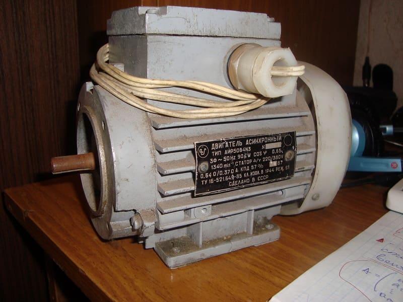 Двигатель для наждака