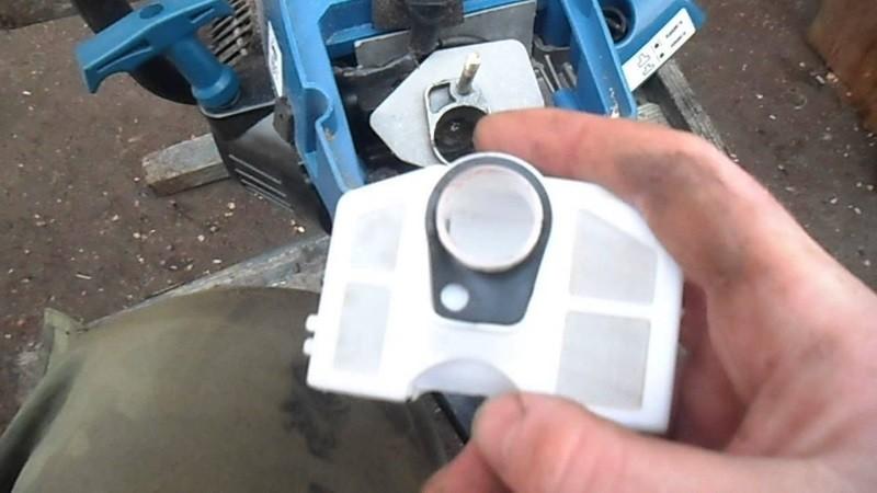 Замена фильтра бензопилы