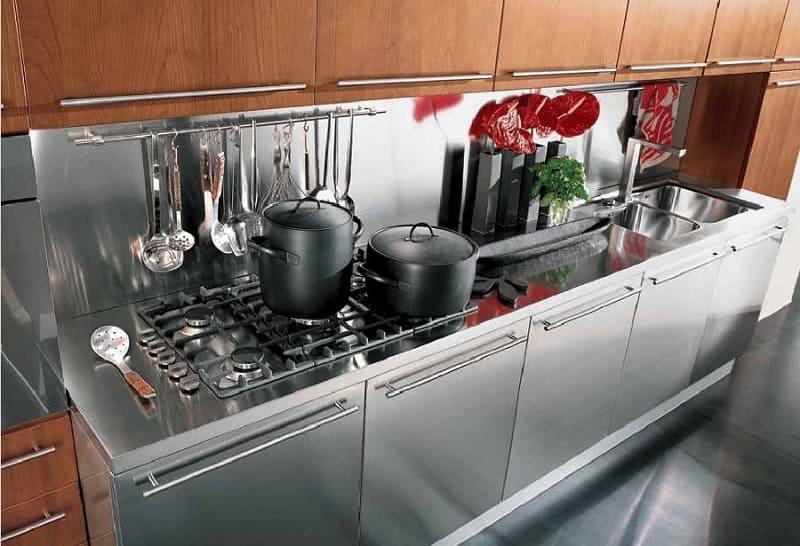 Кухонный гарнитур из нержавеющей стали