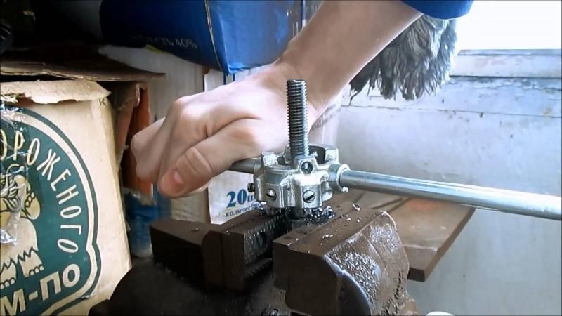 Как нарезать резьбу на трубе своими руками правильно инструмент, инструкция