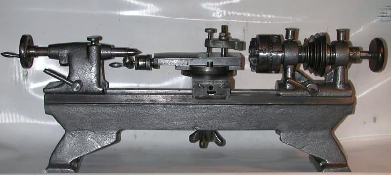 Часовой токарный станок Т-65
