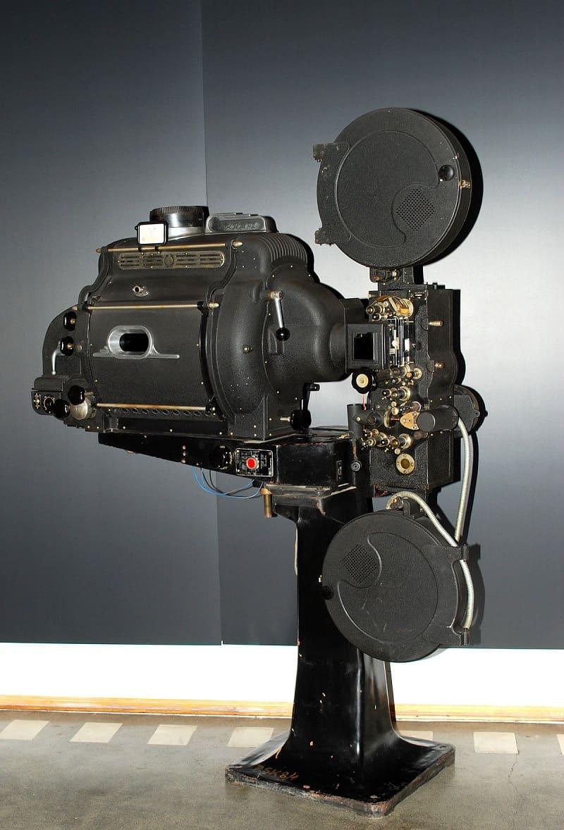 Применение в кинопроекторе
