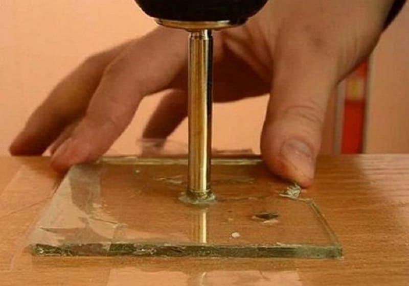 Сверление стекла стеклорезом