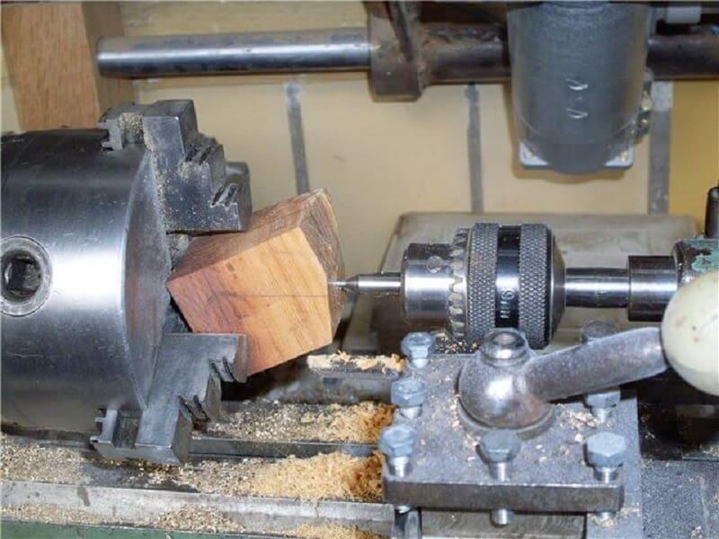 Применение центровочных сверл в домашних мастерских