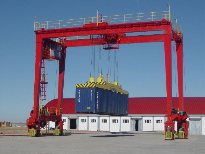Портальный контейнерный кран